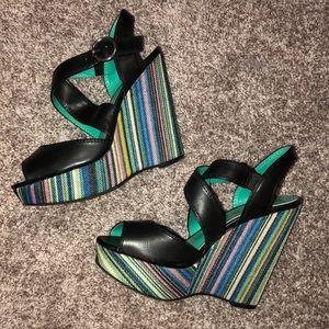 Black/multi colored wedge 6.5